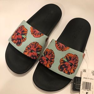 NWT Adidas Adilette Cloudfoam Comfort Slides